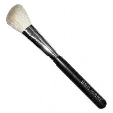 Angled Contour Brush (White Goat Hair)
